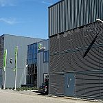 maincubes_AMS01_data_center_outside
