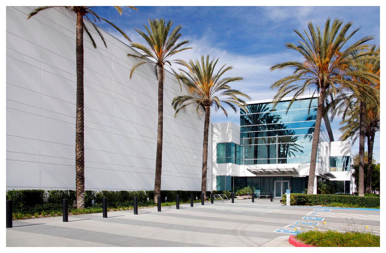 Equinx LA4 Data Center Outside