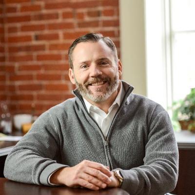 Brett Lindsey