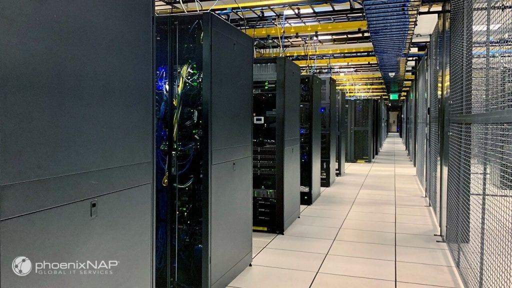 phoenixNAP-data-center-interior