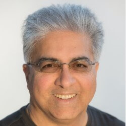 Photo Arman Eshraghi, founding CEO at Qrvey and analytics industry veteran